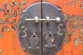 dettaglio placca di chiusura cabinet